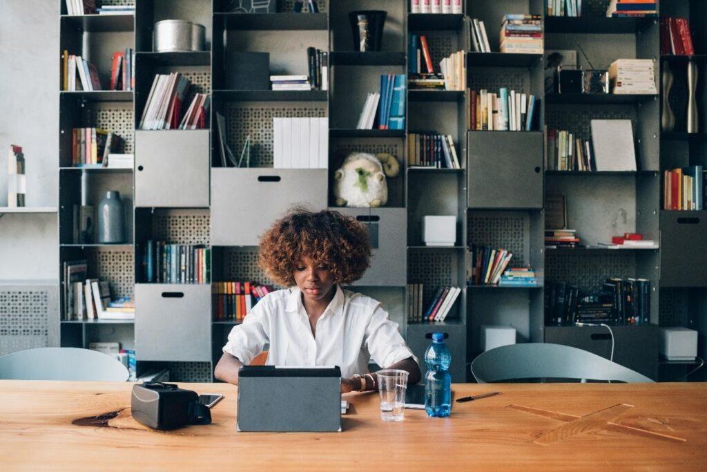Top benefits of hiring corporate event planner